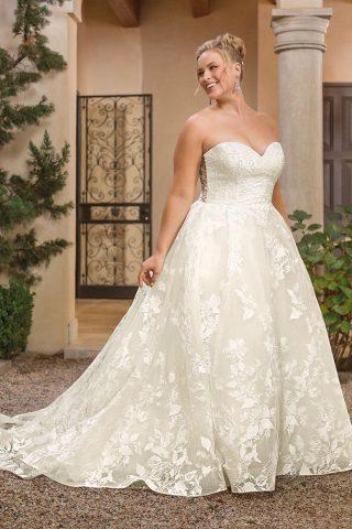 woman in casablanca wedding dress